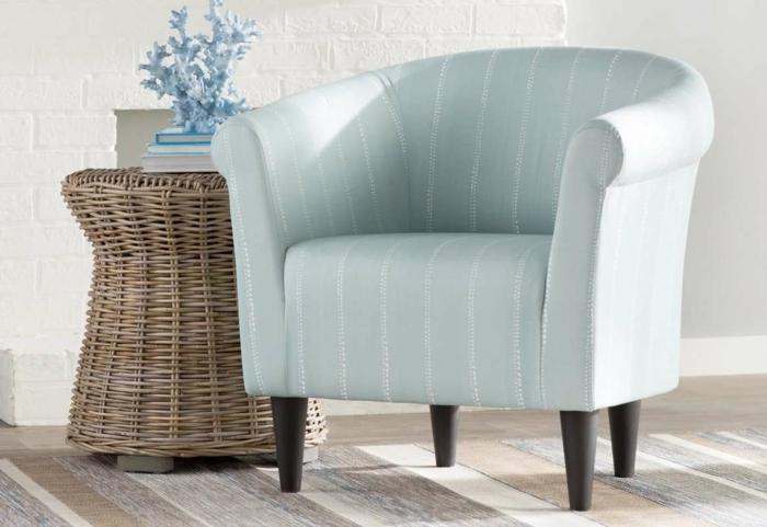 fauteuil tonneau bleu clair rayures pieds en bois foncé