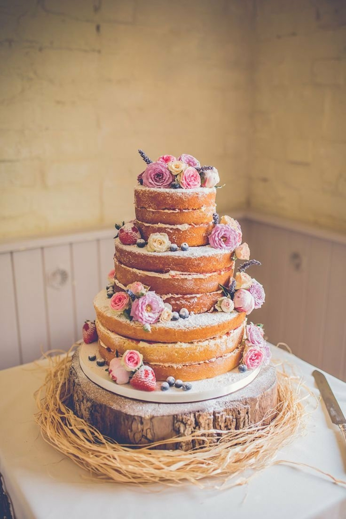 gâteau anniversaire tendance naked cake
