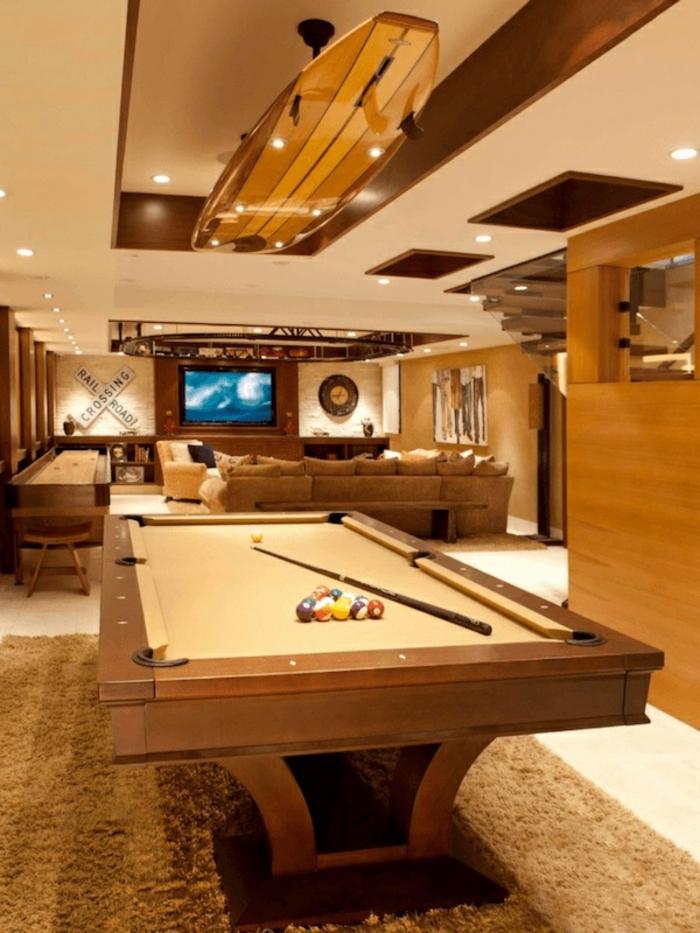 game room idée déco planche de surf luminaire