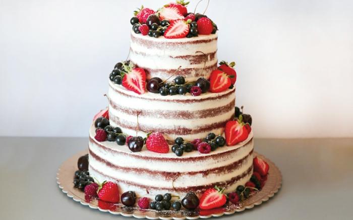 idée comment décorer le gâteau anniversaire nu