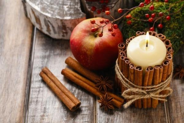 idée déco automne à faire soi-même bougies bâtons de cannelle