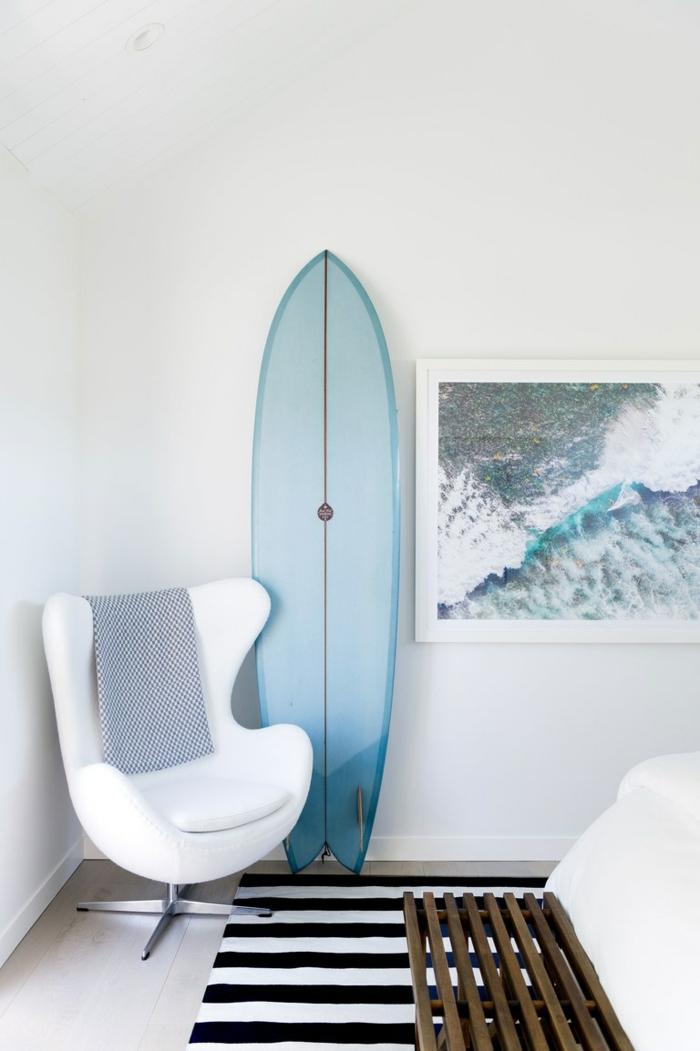idée déco planche de surf dans la chambre à coucher