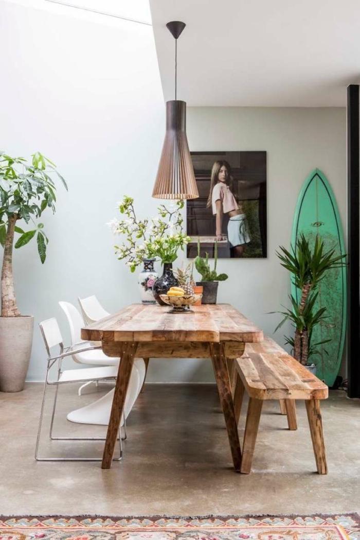 idée déco planche de surf dans la salle à manger