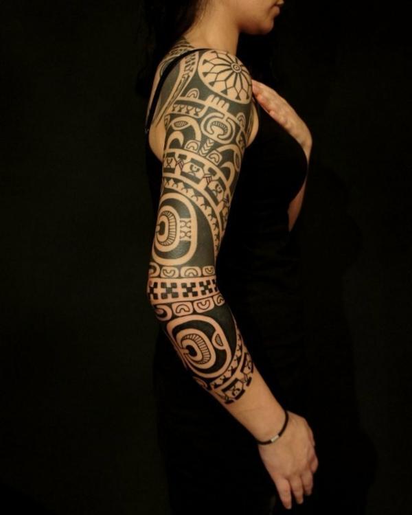 tatouage maorie la tradition devient tendance en 30 top. Black Bedroom Furniture Sets. Home Design Ideas