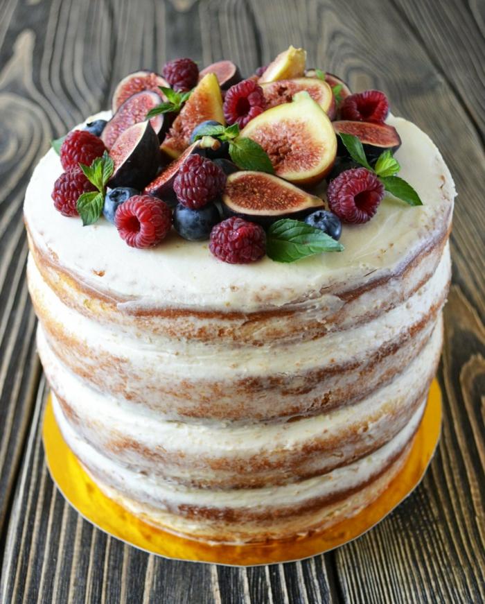 joli gâteau anniversaire tendance