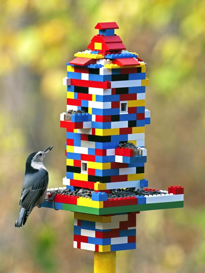 mangeoire oiseaux à partir de lego