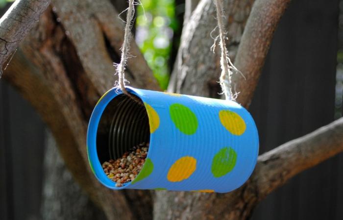 mangeoire oiseaux boite de conserve