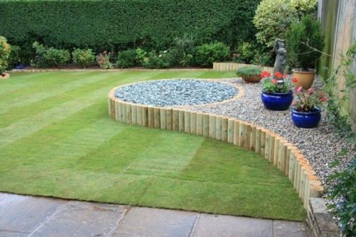 palissade jardin en bois pour délimiter une zone