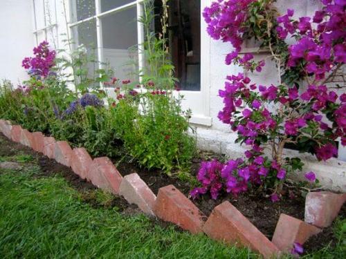 palissade jardin jolie bande de fleurs