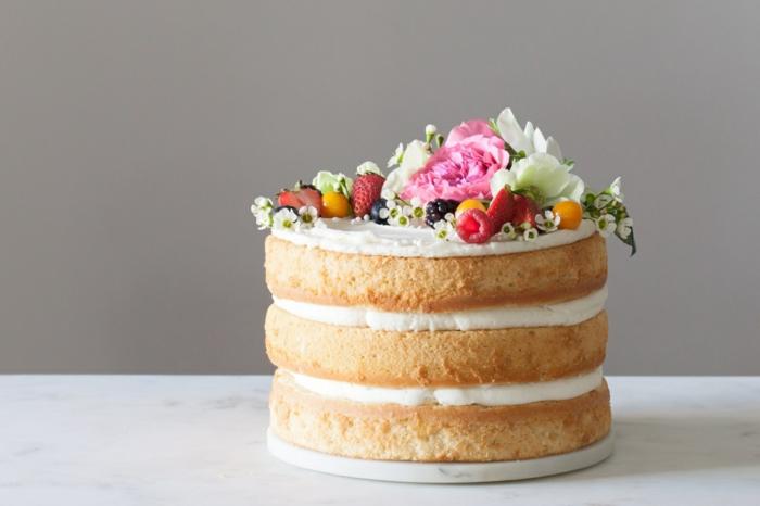 petit gâteau anniversaire naked