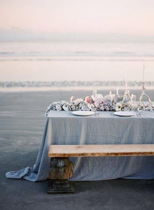 plan de table mariage table couverte d'une toile grise