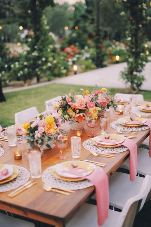 plan de table mariage table décoré en rose