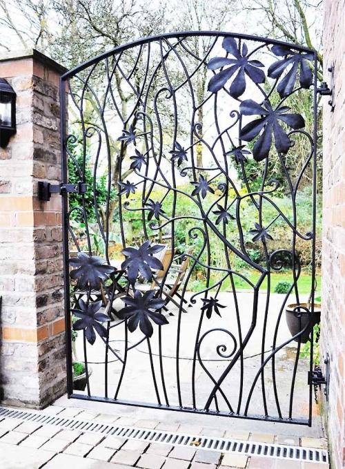 portillon jardin des colonnes en briques