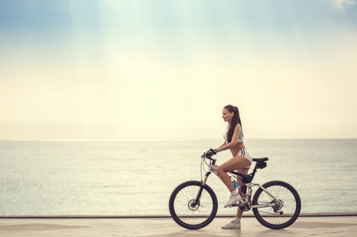 quel sport pratiquer pendant l'été opter pour le vélo