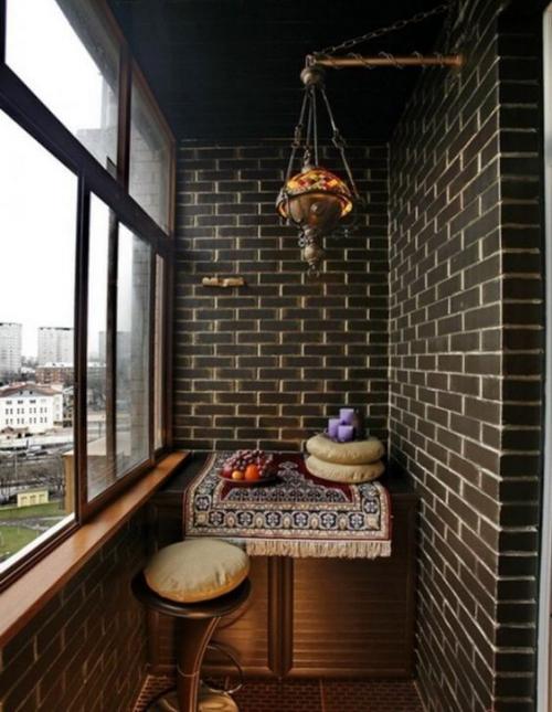 revêtement sol balcon murs et garde-corps en briques