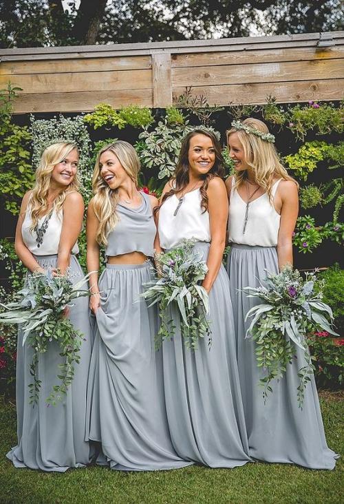 robe invitée mariage automnal belle photo sur la pelouse