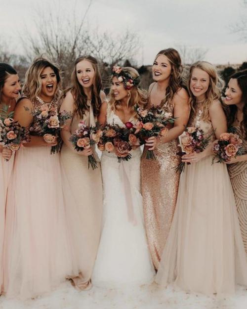 robe invitée mariage automnal belles et souriantes