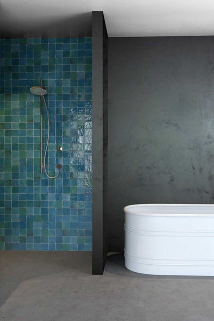 salle de bains carrelage zellige vert