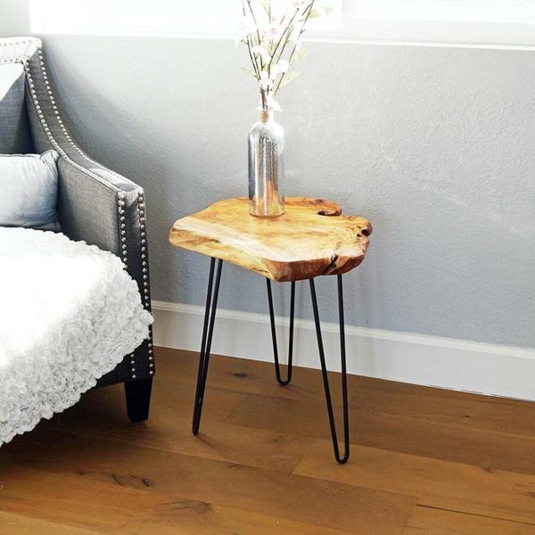 table basse tronc d'arbre plateau verni pieds en métal