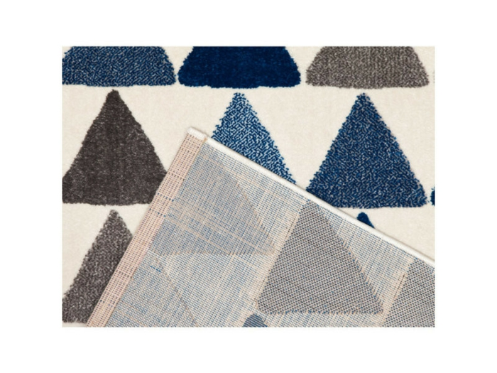 tapis coloris pour aménager un petit salon