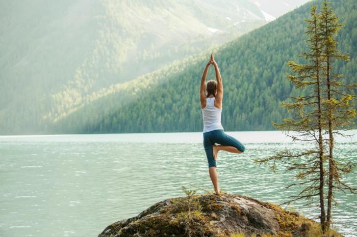 yoga à la montagne quel sport pratiquer
