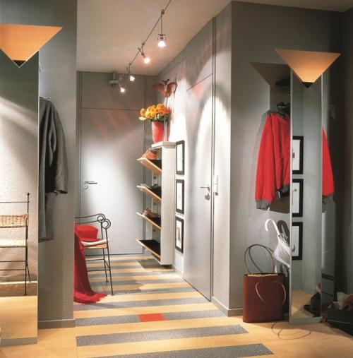 éclairage couloir peint en gris