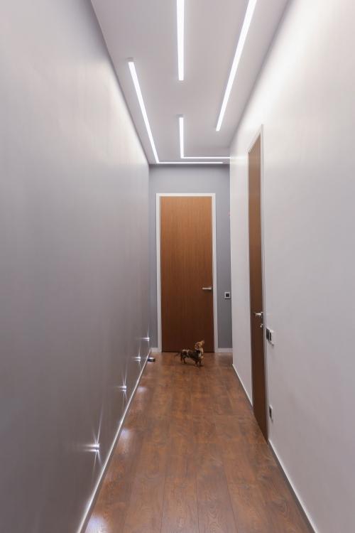 éclairage couloir sol stratifié