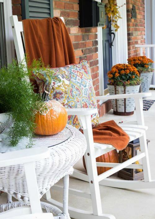 aménagement de porche déco d'automne