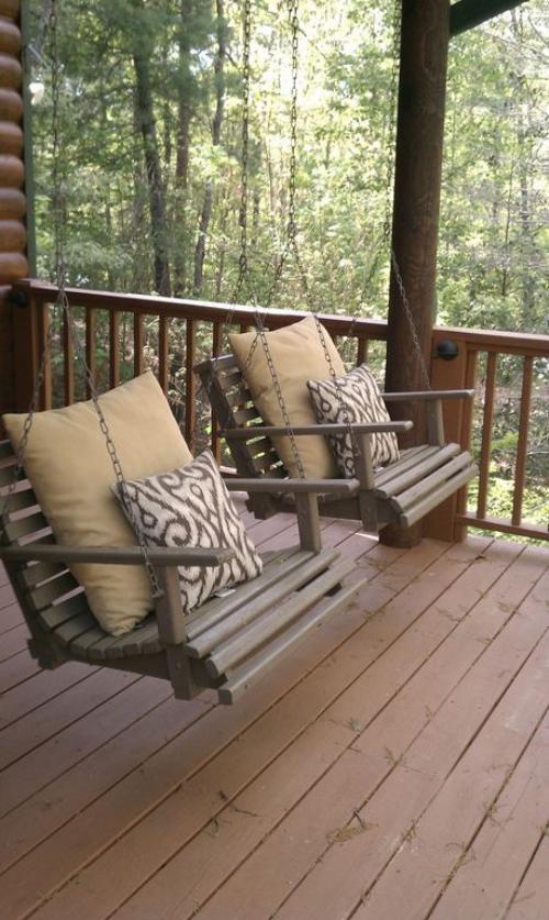 aménagement de porche sol en planches de bois