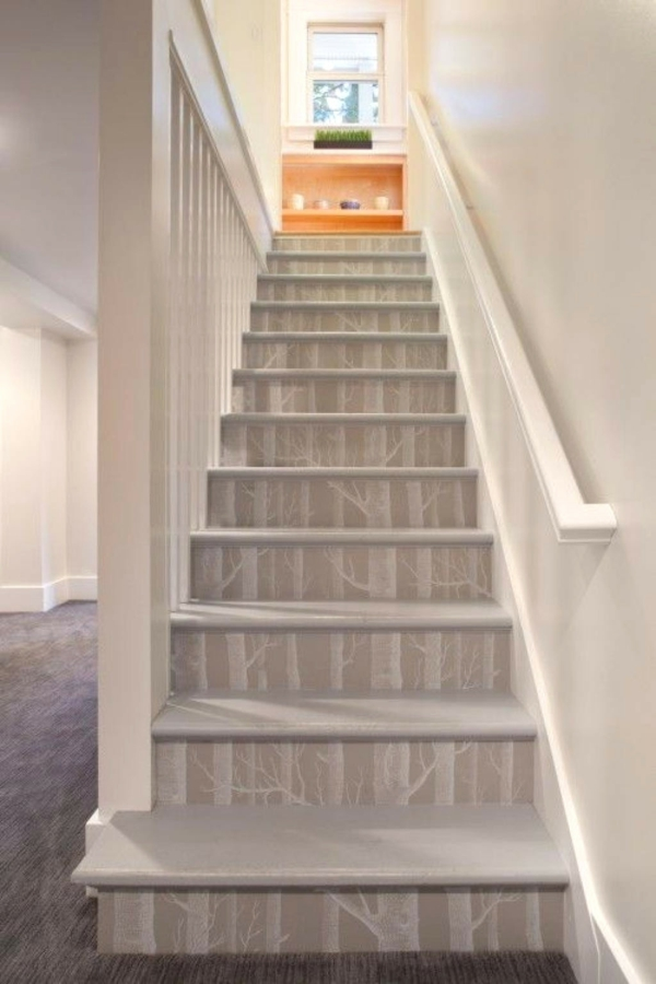 diy d co mont e d 39 escalier cr ative avec du papier peint. Black Bedroom Furniture Sets. Home Design Ideas
