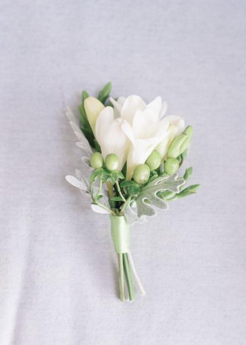 boutonnière mariage boutons et fleurs