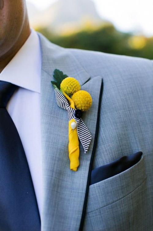 boutonnière mariage deux boules jaunes