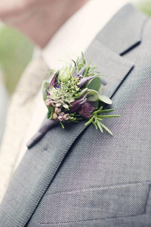 boutonnière mariage mélange de fleurs