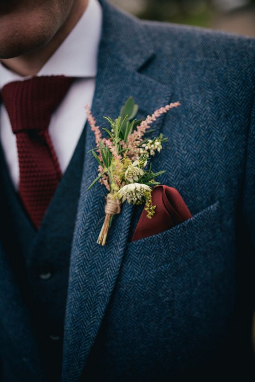 boutonnière mariage un mini bouquet de fleurs champêtres