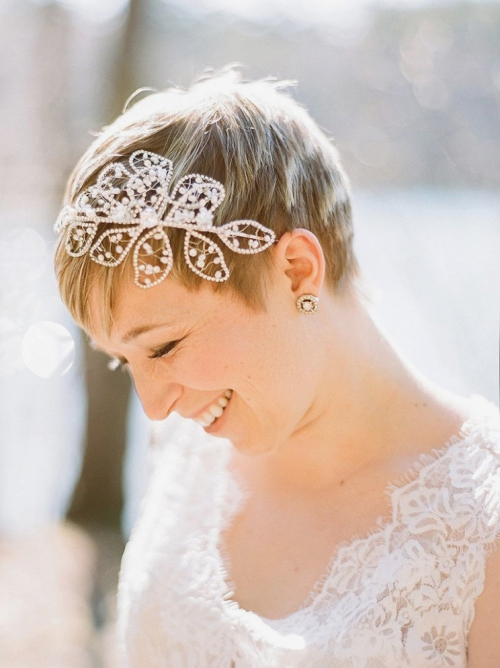 coiffure mariage cheveux courts coupe à étages