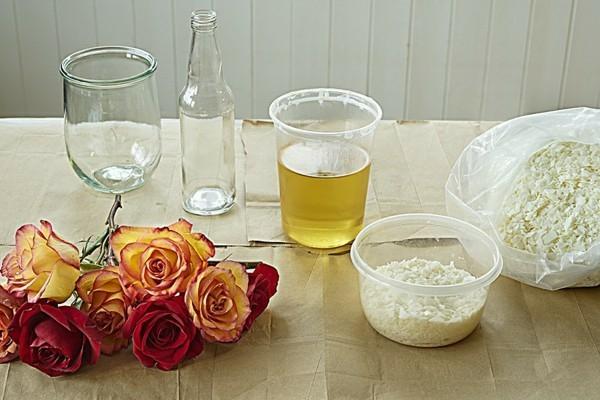 comment conserver une rose avec de la cire