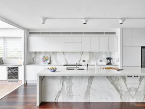 crédence marbre cuisine de grande surface