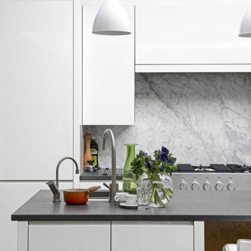 crédence marbre une cuisine fonctionnelle