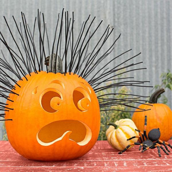 creuser une citrouille pour halloween cheveux de fil métallique