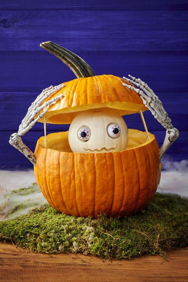 creuser une citrouille pour halloween squelette
