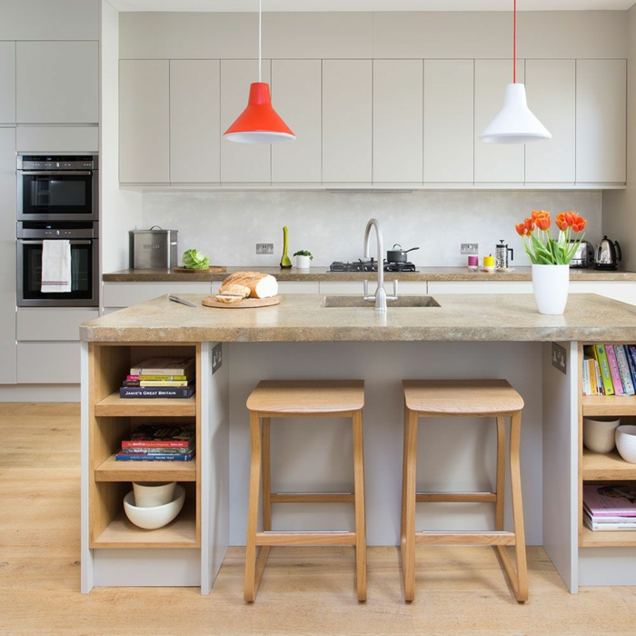 cuisine équipée avec îlot plan de travail en pierre