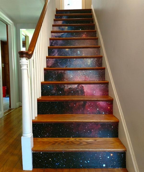 déco montée d'escalier papier peint cosmos