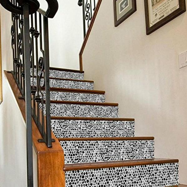 déco montée d'escalier papier peint effet mosaïque