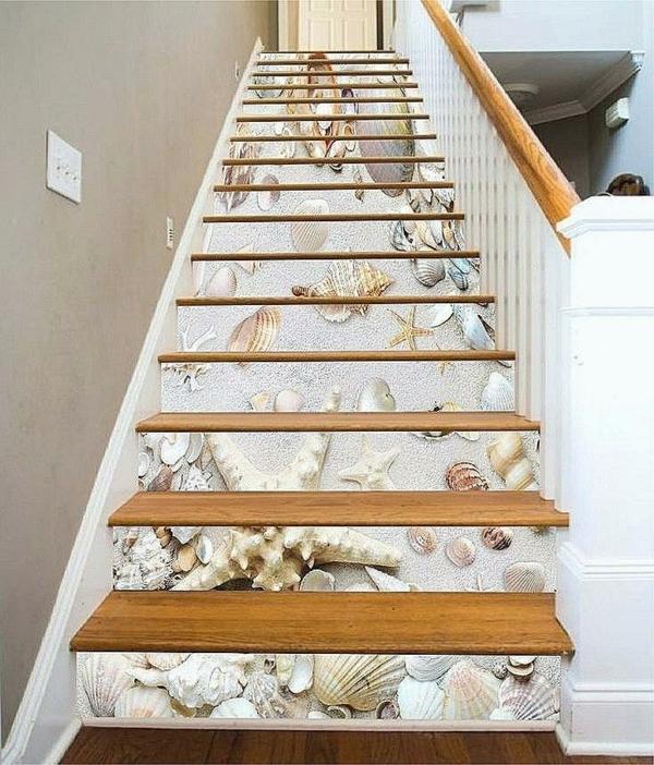 déco montée d'escalier papier peint style bord de mer