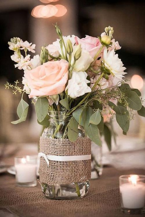 décoration mariage roses et d'autres fleurs