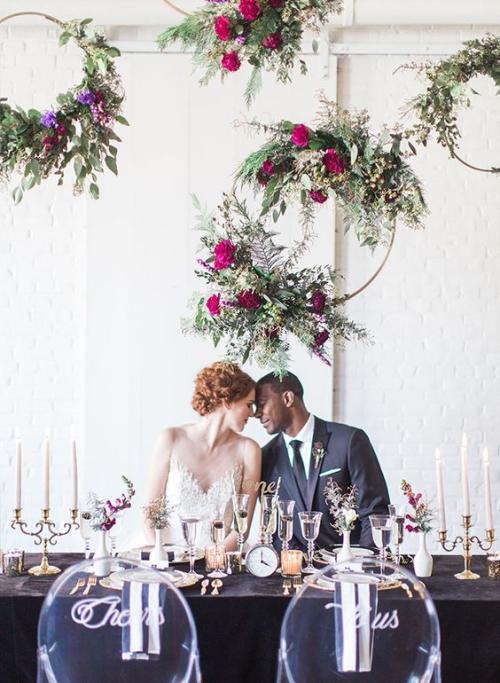 décoration mariage table décorée de vases et de bougeoirs