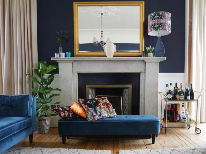 décoration tendance style maximaliste salon cheminée marbre