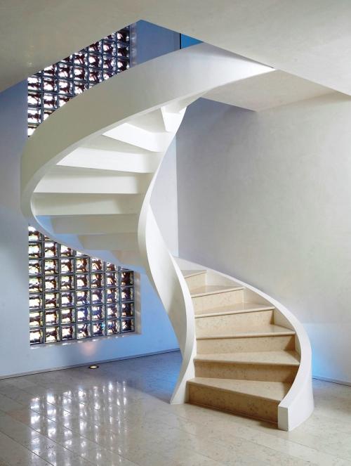 escalier hélicoïdal très solide