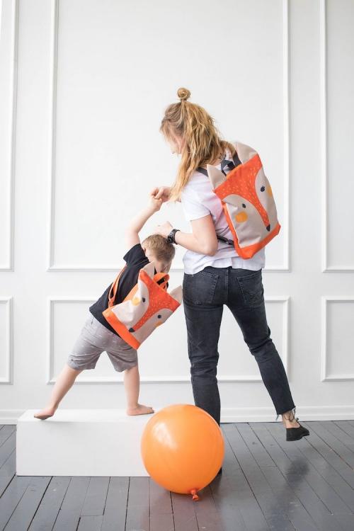 fournitures scolaires fils et mère