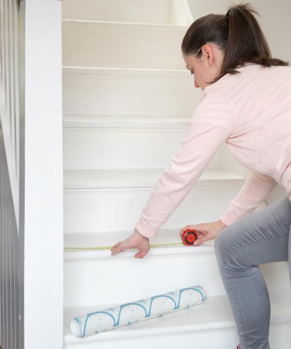 habillage contremarches déco montée d'escalier papier peint